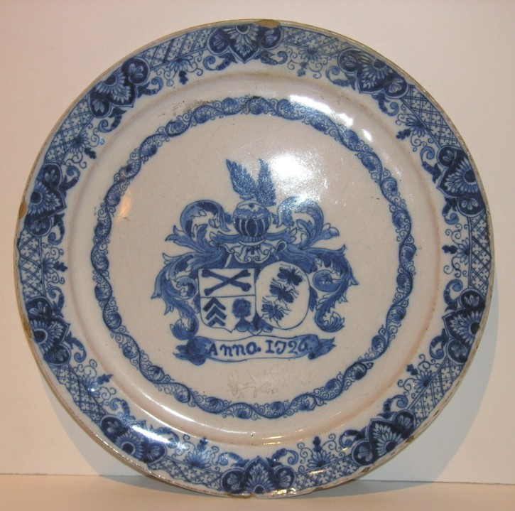 Crockery dish from Delft