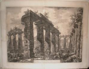 Vista de los restos del Pronaos del Colegio de los Anfictiones