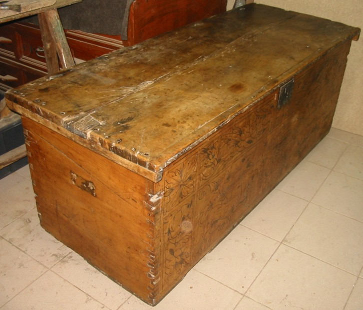 Caja portuguesa de cedro siglo XVI () -  - [Portugal, XVI, Madera]