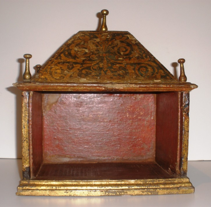 Small Spanish ark 16th century