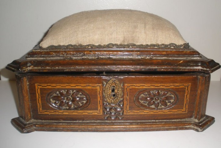 Sewing Catalan box 18th century