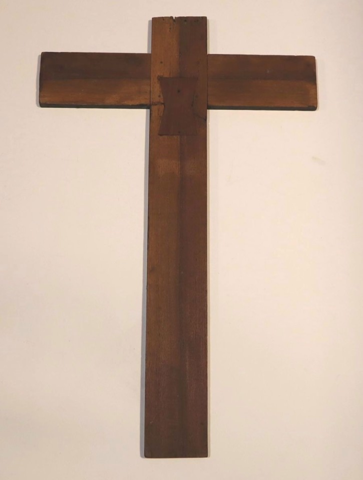 Painted cross with Christ crucified with Virgin. Anónimo. . Precio: 2.500€